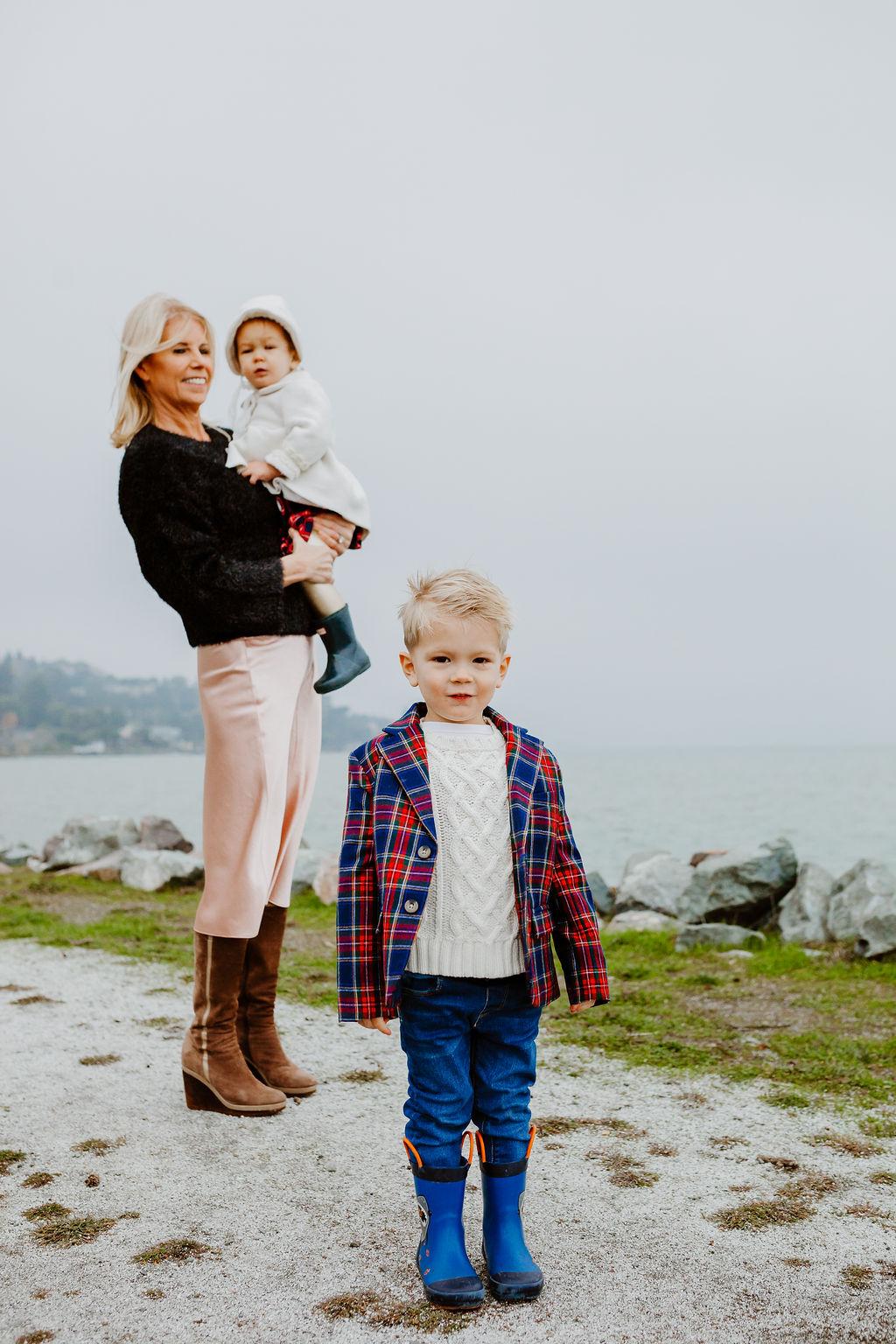 holiday card christmas festive family time quality time San Francisco Tiburon holiday shoot family photoshoot