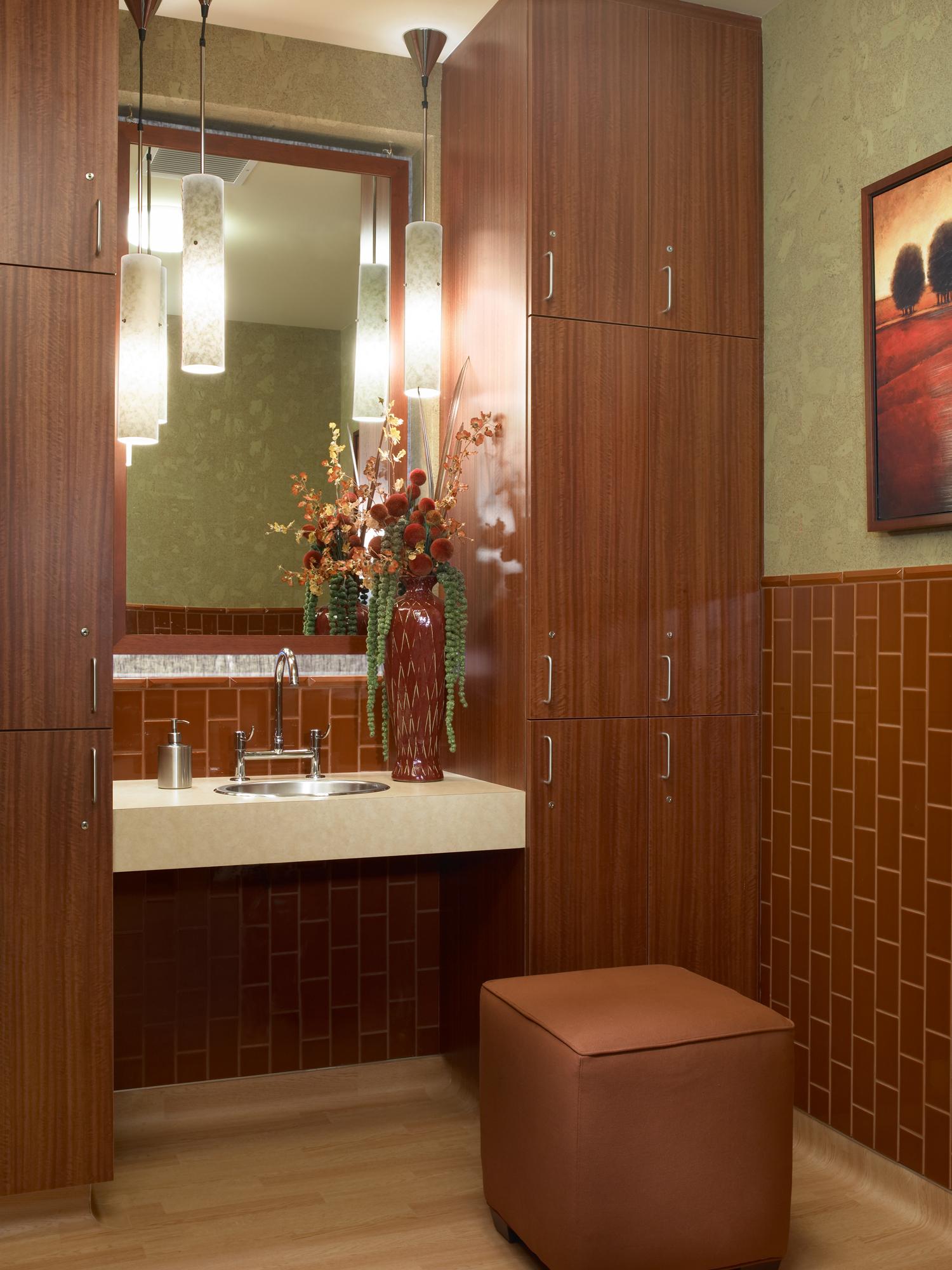 bathroom2_web.jpg