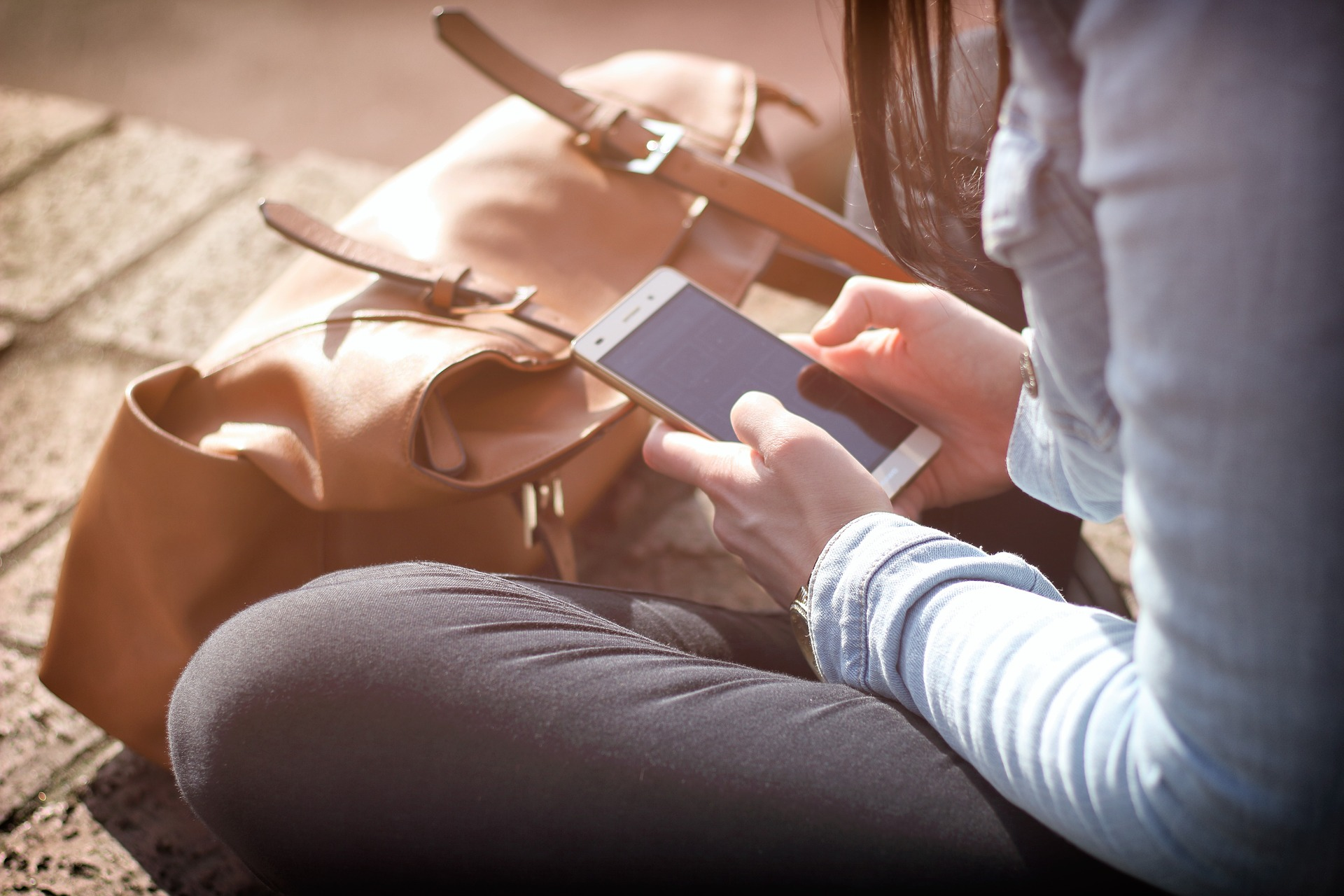 Student texting.jpg