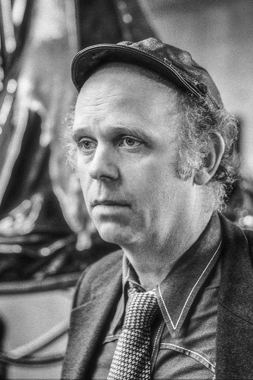 15 Claes Oldenburg.jpg