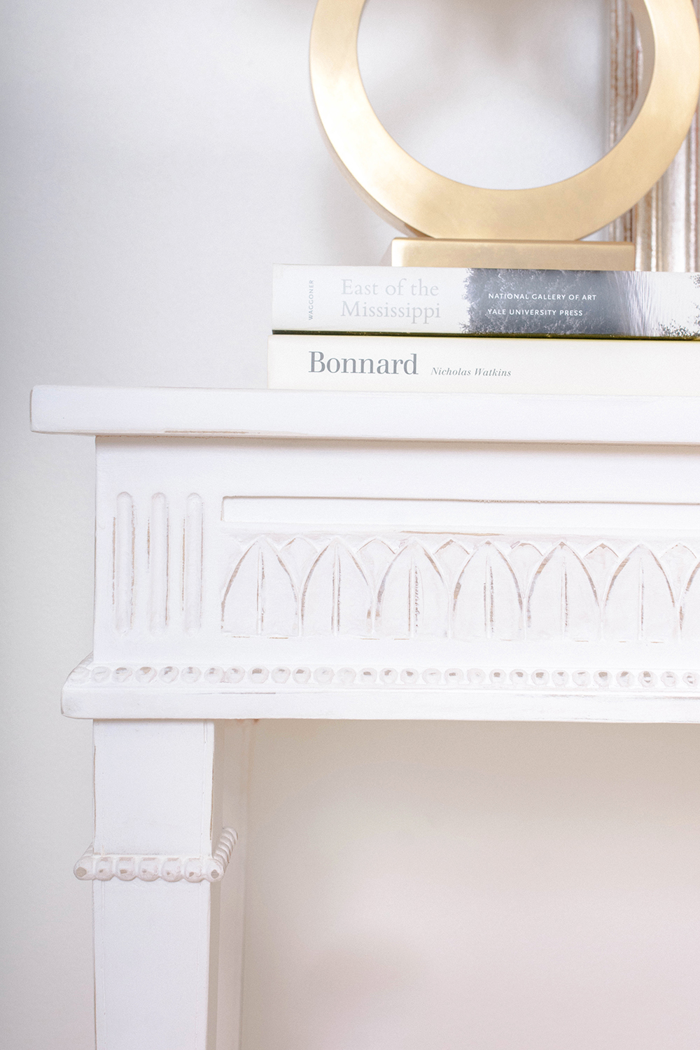 AveHome-LillyConsole-Detail.jpg