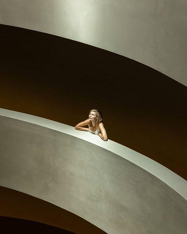• M O R N I N G  S U N • / / / #curves #spiral #strikeapose #naturallight #minimalism #minimalphotography #shadows