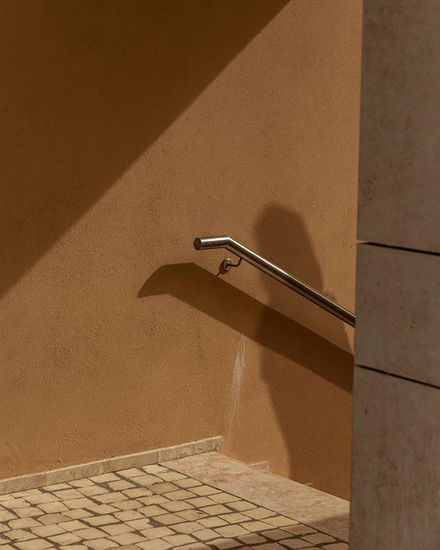 • P A S T  P E O P L E • / / / #shadows #shadowphotography #harshshadows #highsun #minimalmag #minimalphotography #minimal #textures #warmthoughts #warmgrade #angles #concreteandsteel #concrete #pinkplaster