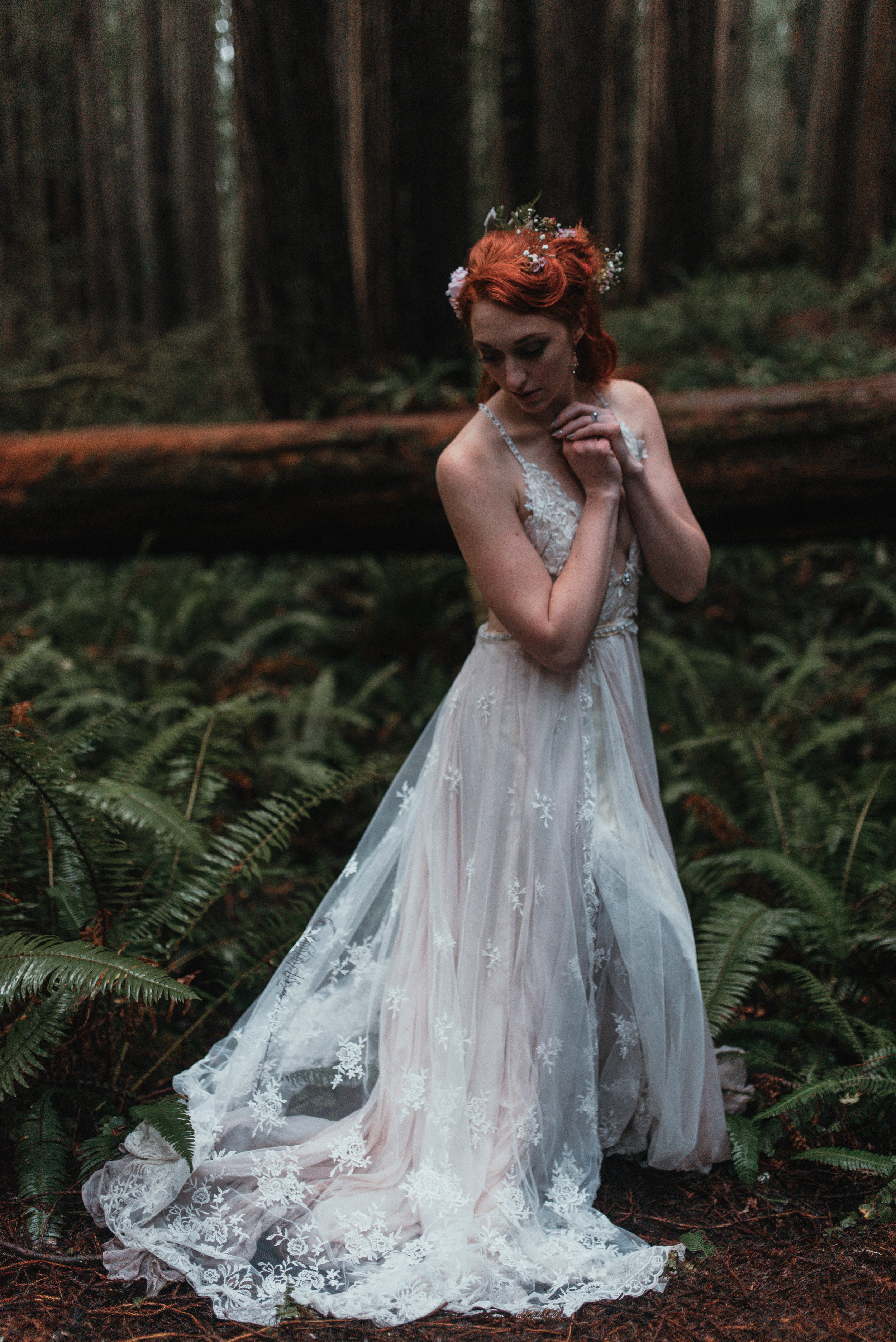 Intimiate Redwoods Elopement , Elopement Inspiration, Jessica Heron Images, Northern California Elopement, Oregon Elopement, Oregon Wedding, Elopement Ideas, diy dress