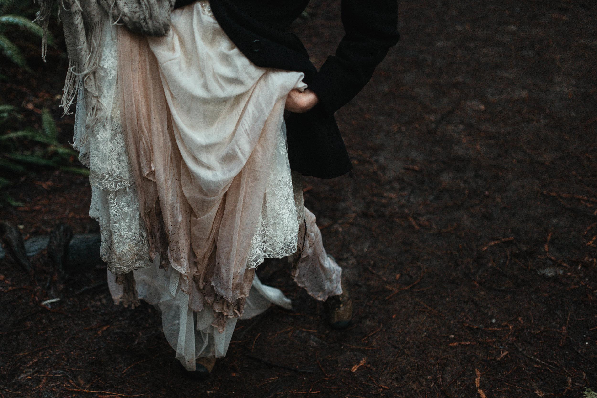 Intimiate Redwoods Elopement , Elopement Inspiration, Jessica Heron Images, Northern California Elopement, Oregon Elopement, Oregon Wedding, Elopement Ideas, Oregon Wedding
