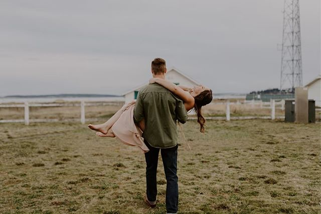 Maya getting swept off her feet to save them from all of the thorns. Whatta Gent! • • • ➖➖➖➖➖➖➖➖➖➖➖➖ • • • •  #fortwordenwedding #fpme #fortwordenelopement #olympicpeninsulaphotographer #olympicpeninsulaengagements #couplesphotography #loveintentional #mainephotographer #oregoncoastengagements  #elopementphotographer #washingtonphotographer #intimatewedding #adventurouswedding #justalittleloveinspo #northwestphotographer  #radlovestories #oregonwedding #washingtoncoastengagements #oregonphotographer  #elopementlove #firstandlasts #indiebride #adventurebrides #belovedstories #fortworden #oregonengagements #washingtoncoast #beachengagementsession #beachengagementshoot  #destinationweddingphotographer  @justalittleloveinspo @elopementlove @dirtybootsandmessyhair @brides