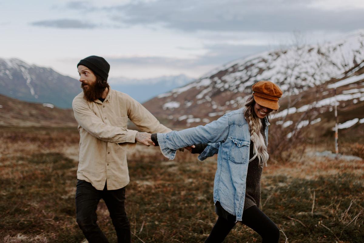 Adventure-Engagements-In-Alaska-Hatchers Pass