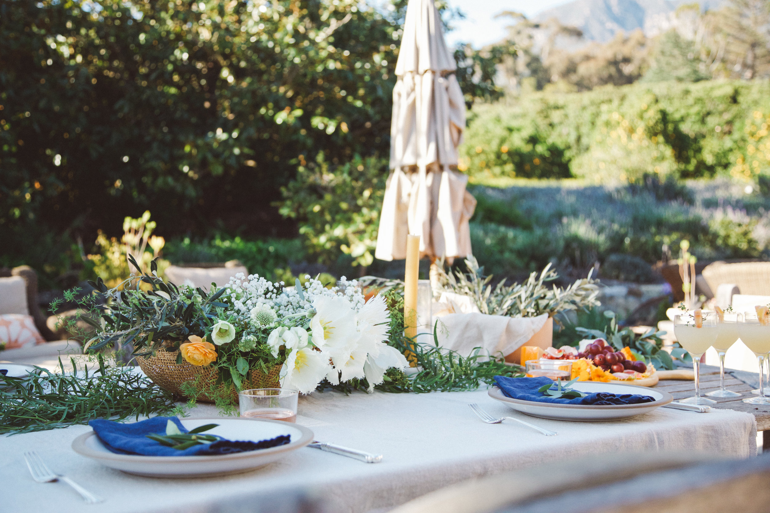 Floral styling for private dinner