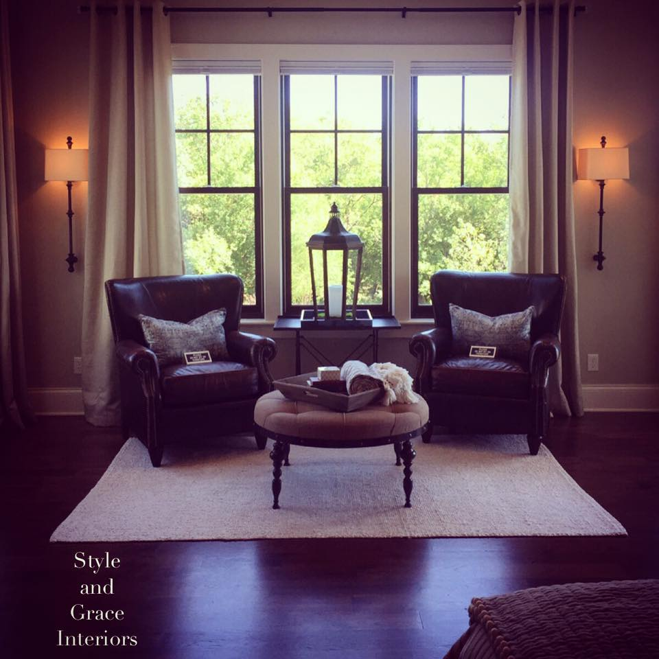 The perfect sitting room in the most perfect home.. The Home of Distinction Tour was a huge success! I'm so happy that I was a part of it!