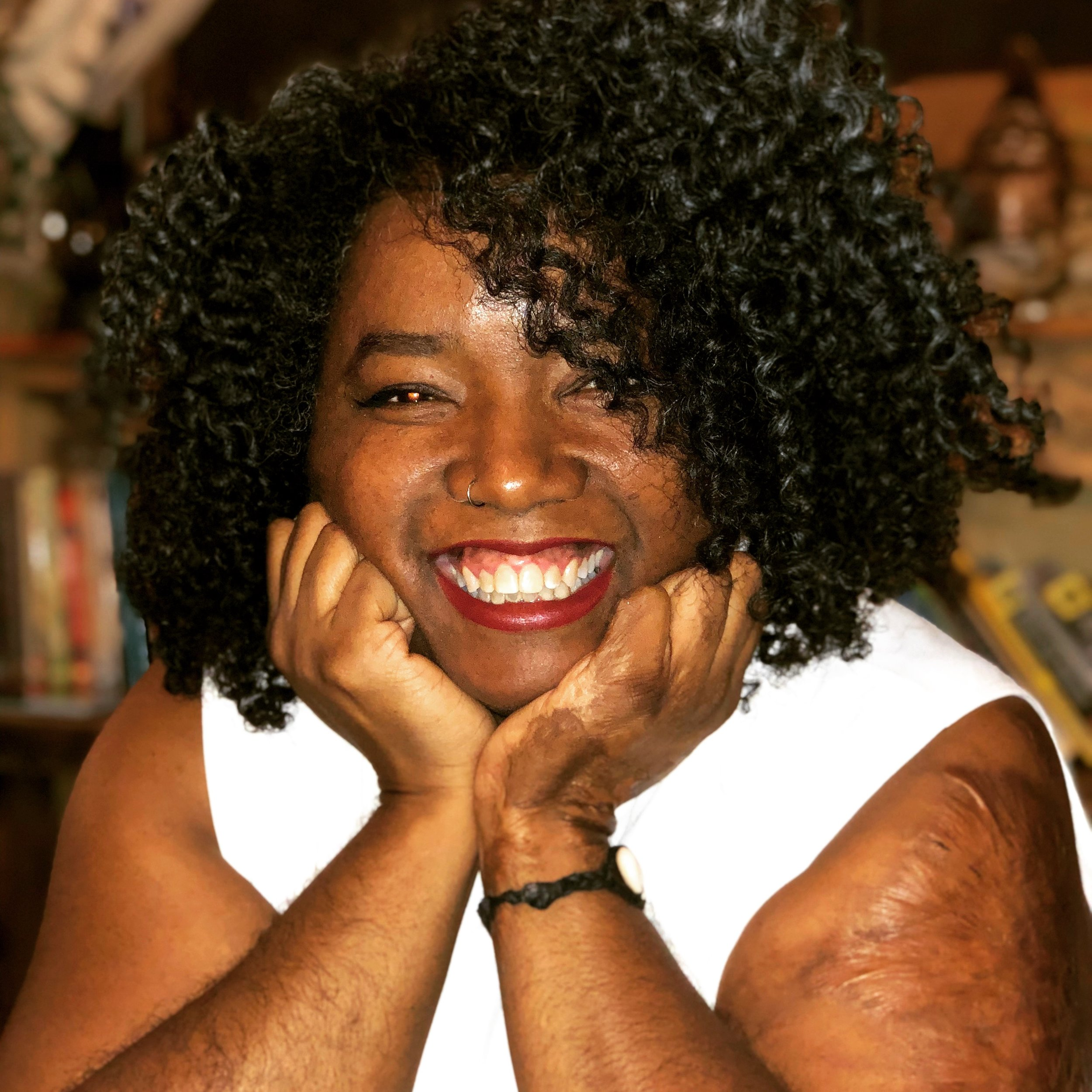 Red Thread Circle - Ursula Ferreira from Apothecary For The Soul & I have a wide-ranging conversation about enstasy, erotic healing, and what white healers & educators need to know to work with People of Color.