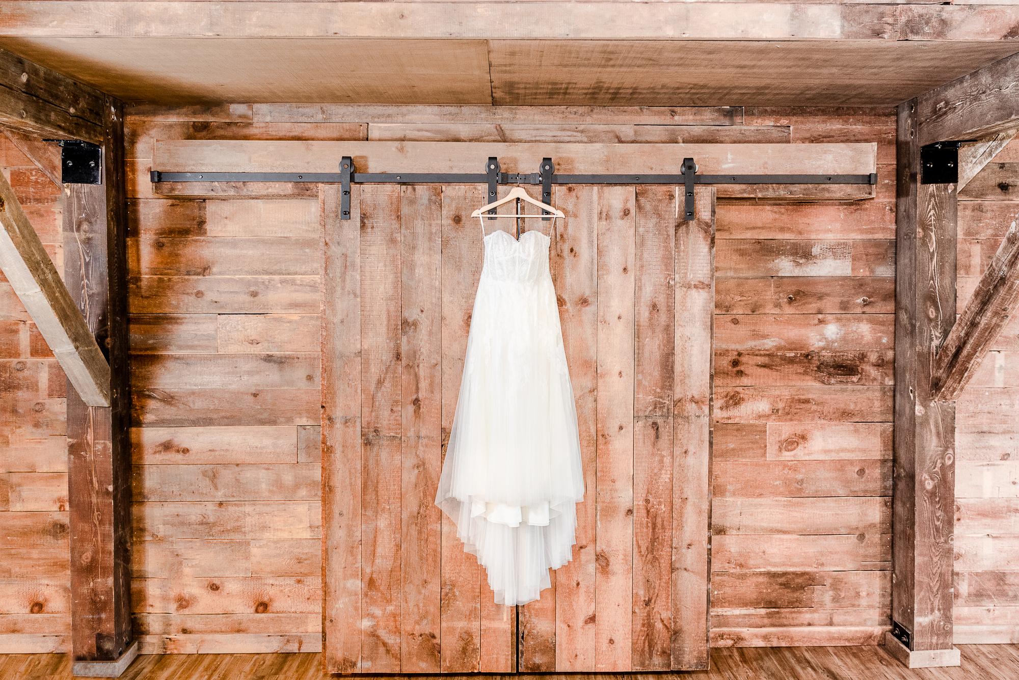 Maria+Adam_Summer Barn Wedding_The Barn at The North Star Preserve_Oberlin_Ohio-3.jpg
