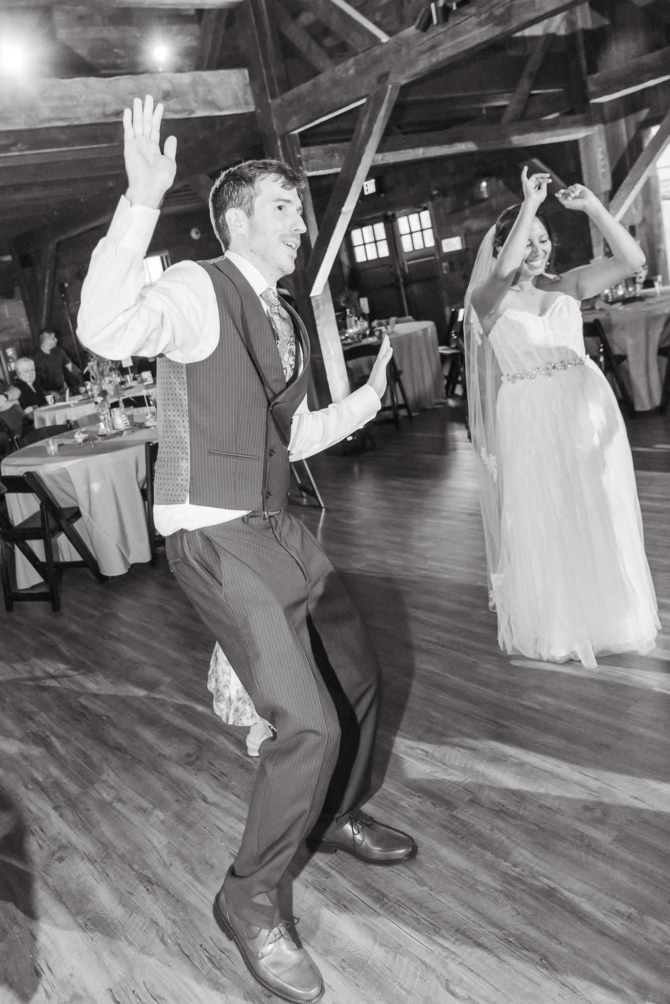Maria+Adam_Summer Barn Wedding_The Barn at The North Star Preserve_Oberlin_Ohio-219.jpg