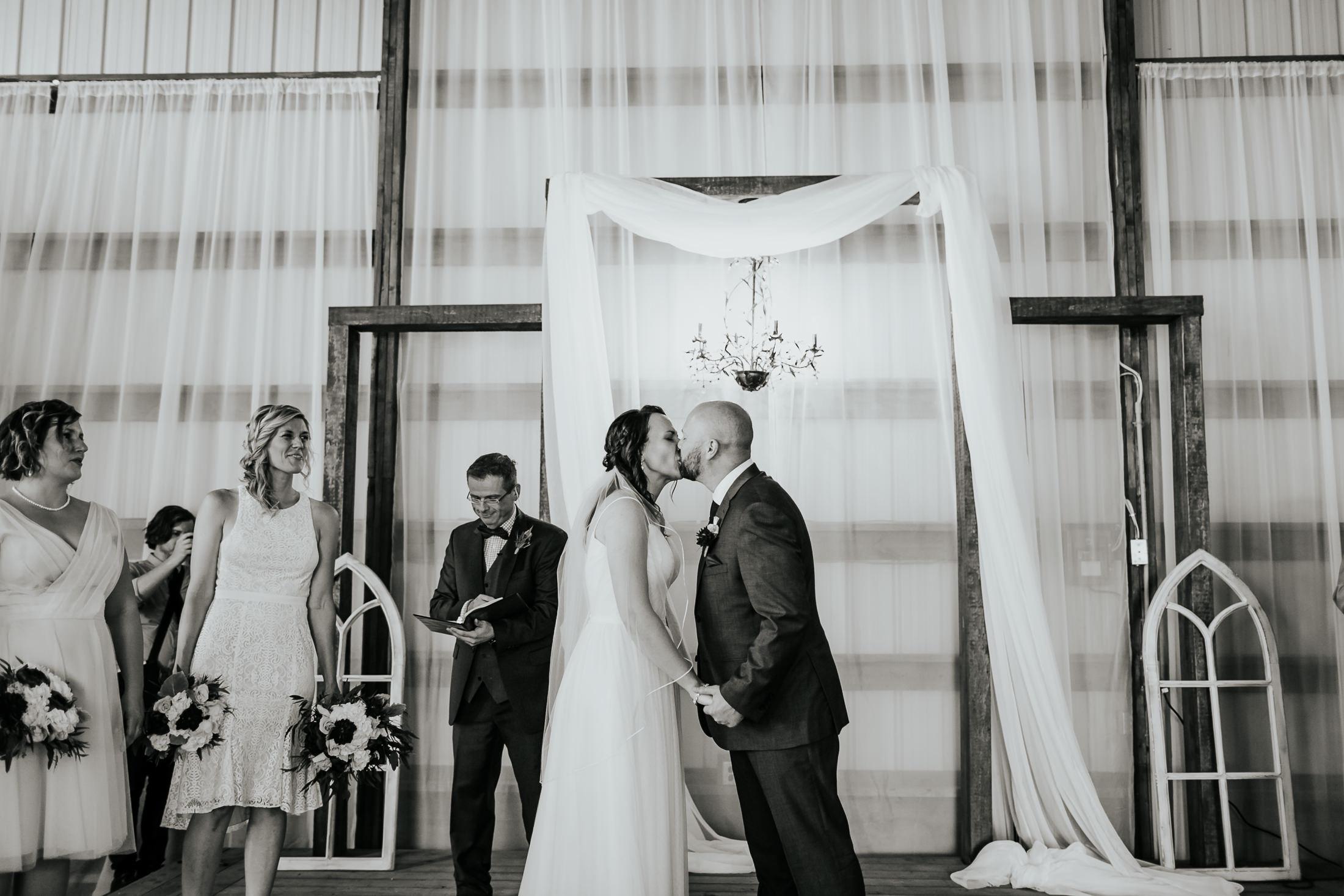 kevin&lori_wedding_047.jpg