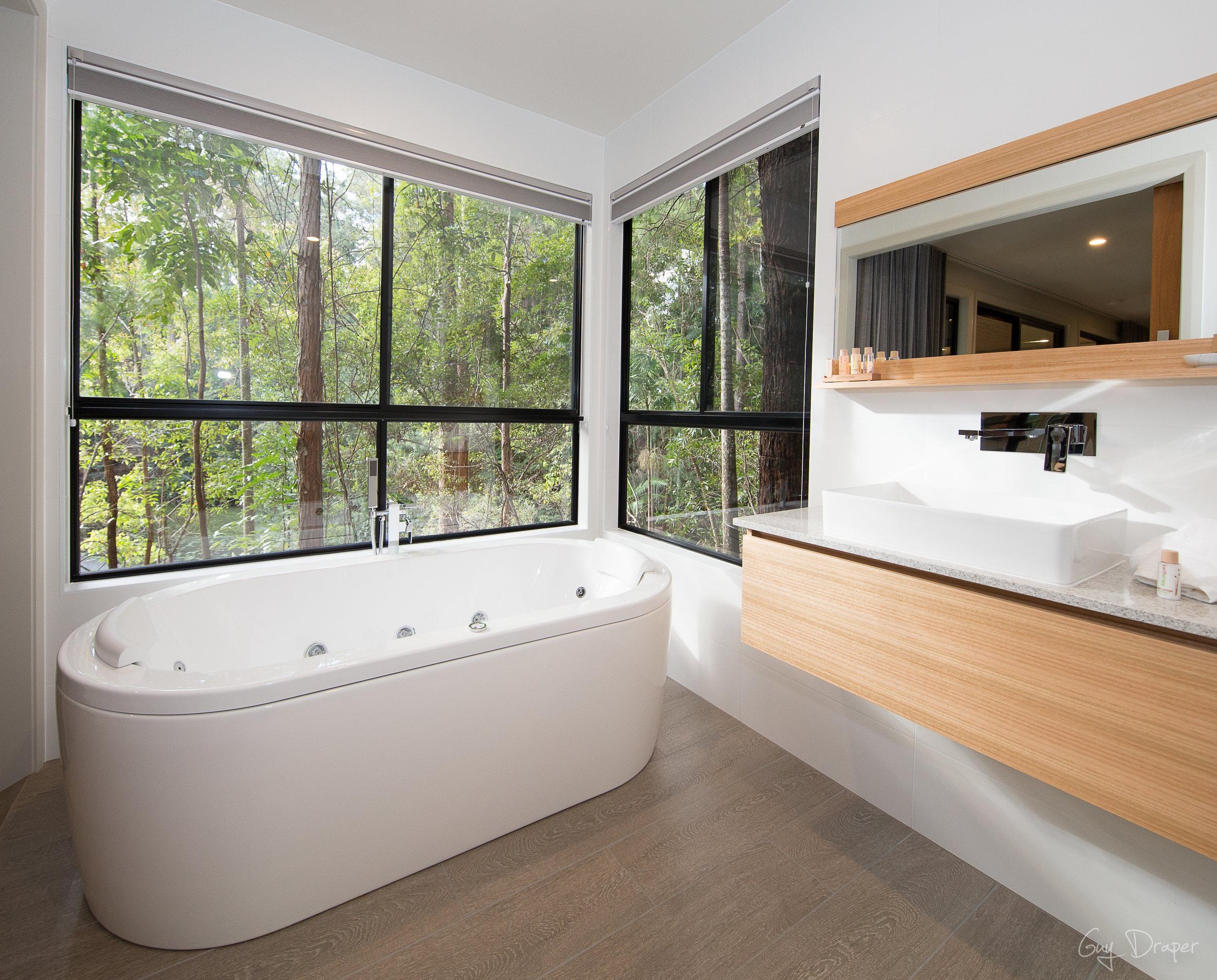 Mistere Spa and Retreat Bathroom