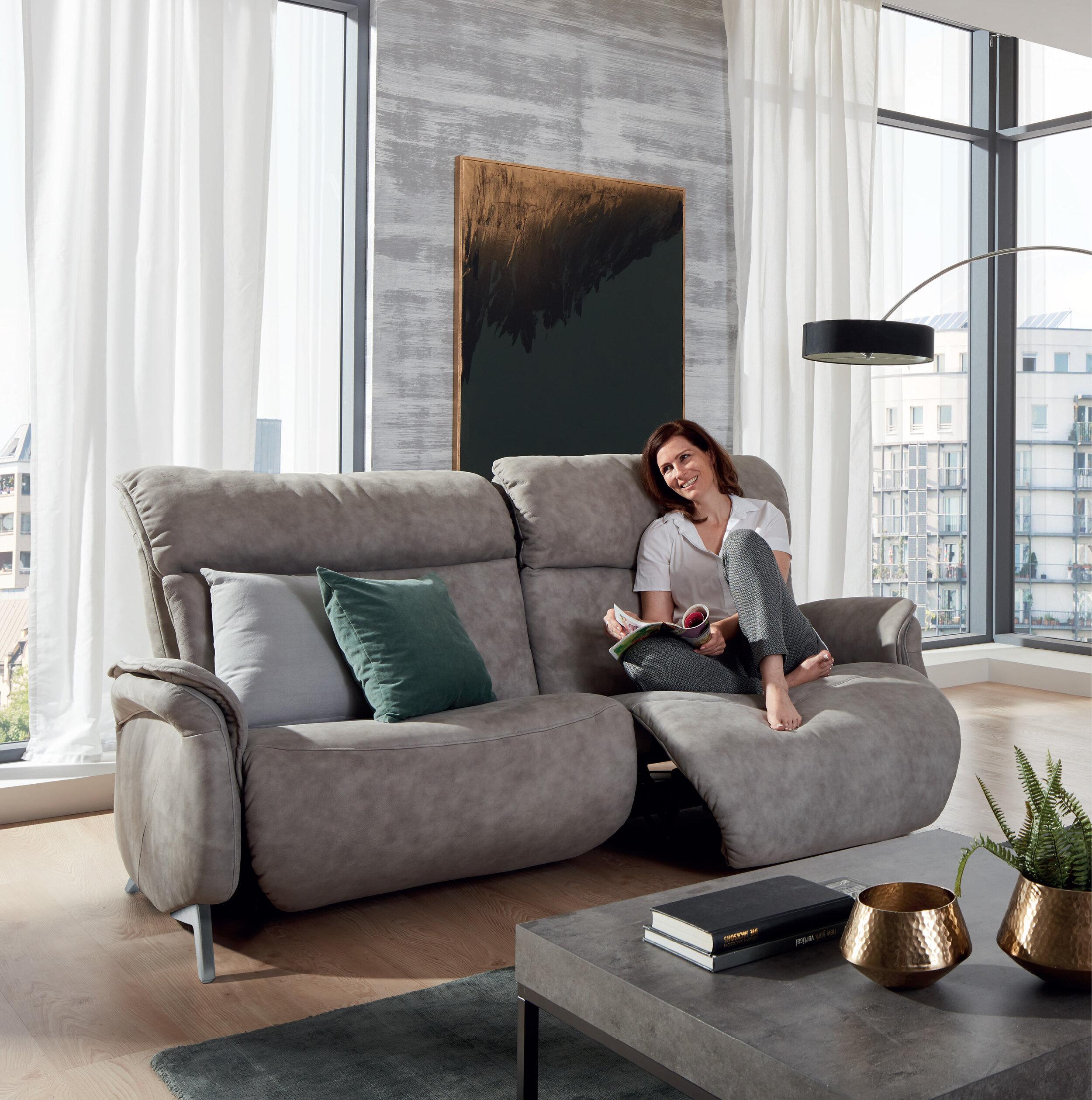 Himolla-Swan-Sofa-model.jpg