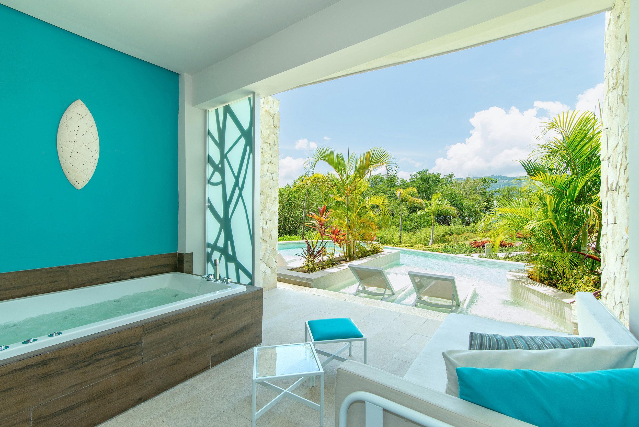 BREMB_xhale_club_Junior_Suite_Swim-Up_balcony_NL.jpg