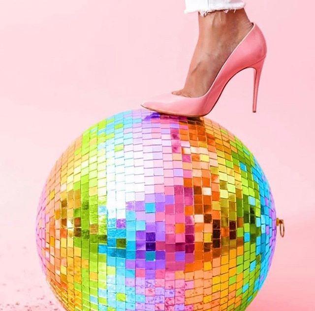 """Shiny disco balls ..."" . . 📷 @space.ram x @hallie_duesenberg . . . 🎼 Shiny Disco Balls, Who Da Funk (feat. Jessica Eve) . . . #shinydiscoballs #whodafunk #discoball #saturdaynight #dfloor #disco #discoballs #funk #saturdaynightout #musicmemories #beats #dance #lovecar #lovecarperth #music #vwbeetle #lovebug #uniquegift #uniquegiftexperience #uniquegiftideas #giftideas #giftideasperth #spreadthelove #showyoucare #connectingpeople #powerofmusic #bringingbackthelove #partyonwheels #perthevents #everythingisbetterwithmusic"