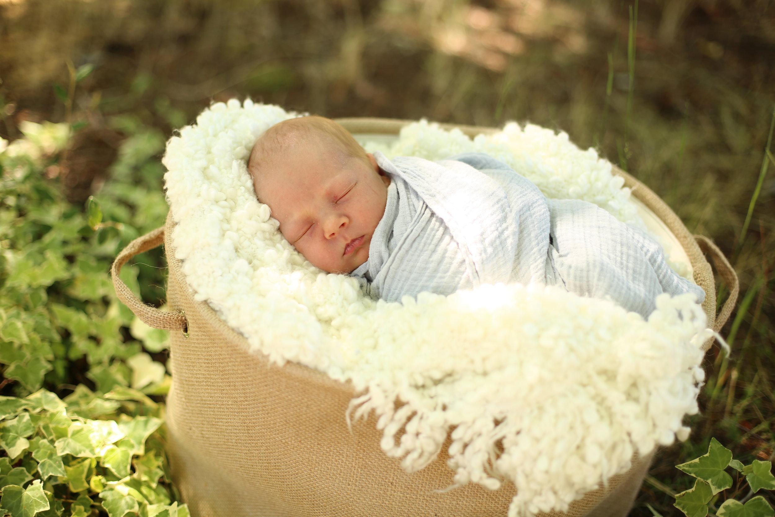 boys and new born pics Nadia 328.JPG