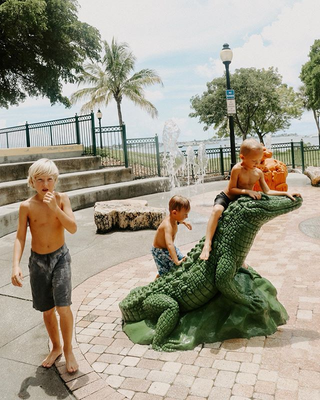 I love you Sarasota !  I am so thankful and blessed to live in the sunshine state 🧡  I haven't found many fountain play parks here though. Just two so far . This one and a tiny one in Venice . This one is at Marina Jacks . Favorite place . 🧡 . . . #marinajacks #marinajacksarasota #marinajacksfountains #sarasotaflorida #exploringsarasota #sarasotafamily #sarasotablogger #momswithcameras #letthembelittle #boymomlife #takethemoutside #sarasotabayfrontpark #sarasotabayfront