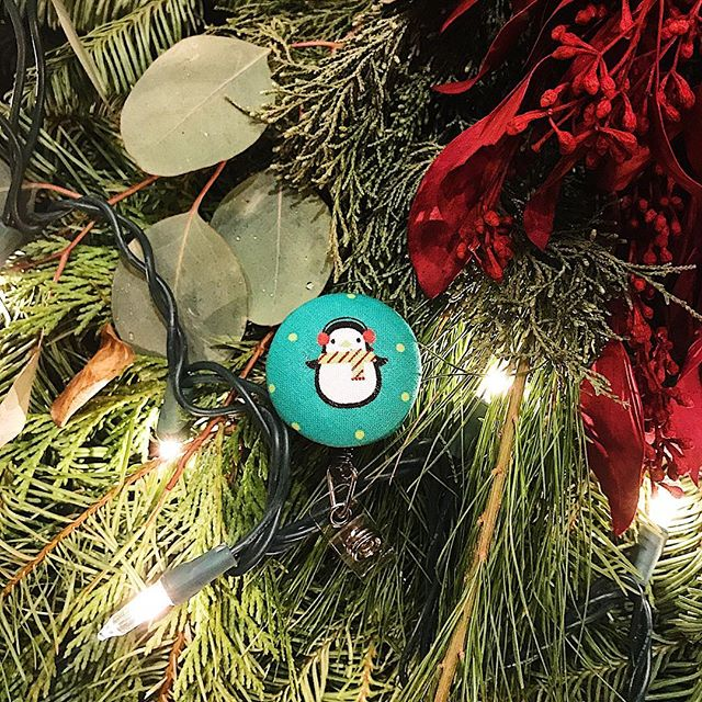 Who doesn't love a cute penguin 🐧? This little guy is sure to brighten your day! Get him and many other holiday Buu Buttons today! Still have time for $1 dollar shipping! . . . #winter #penguin #holiday #buubuttons #healthcare #nursing #pct #nightshift #ootd #handmade #idbadge #doctor #nurse #nurselife #nursesofinstagram #teachersofinstagram #nursingstudent #christmas