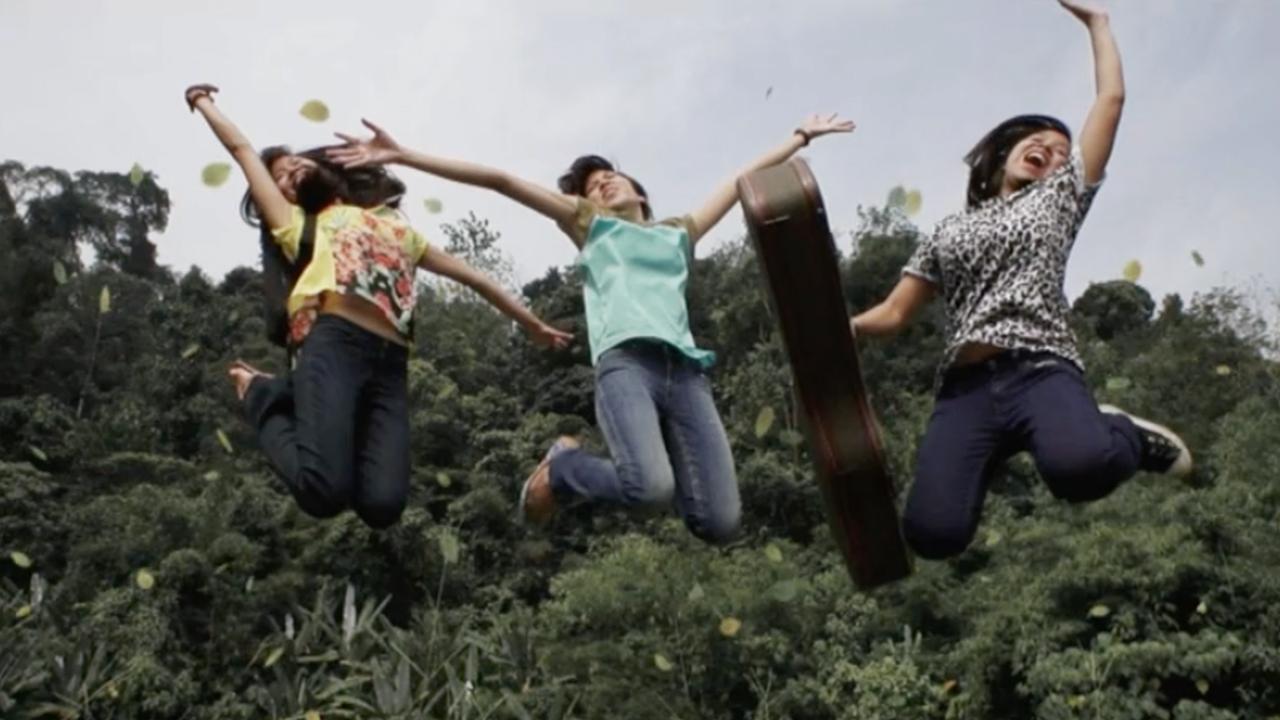 THE PURSUIT OF LEVIS: THE IMPATIENT SISTERS / 2012 / TVC