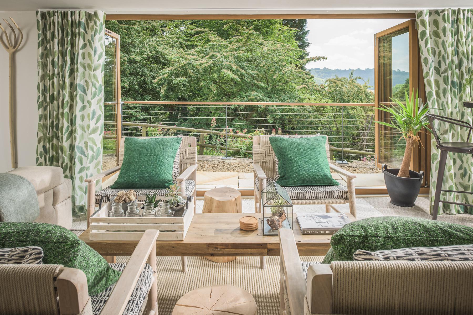 INTERIOR DESIGN & DECORATION   We design thoughtful, liveable spaces.