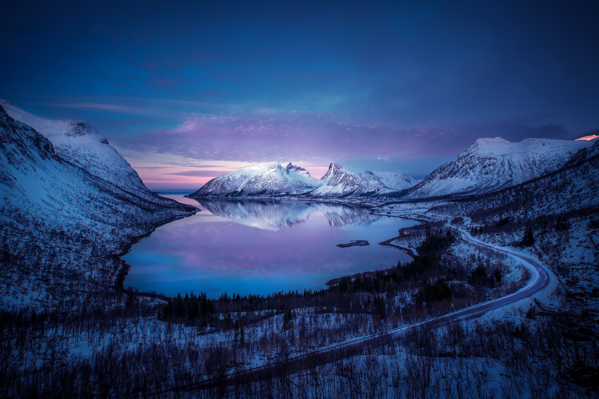 Bergsfjord_snow.jpg