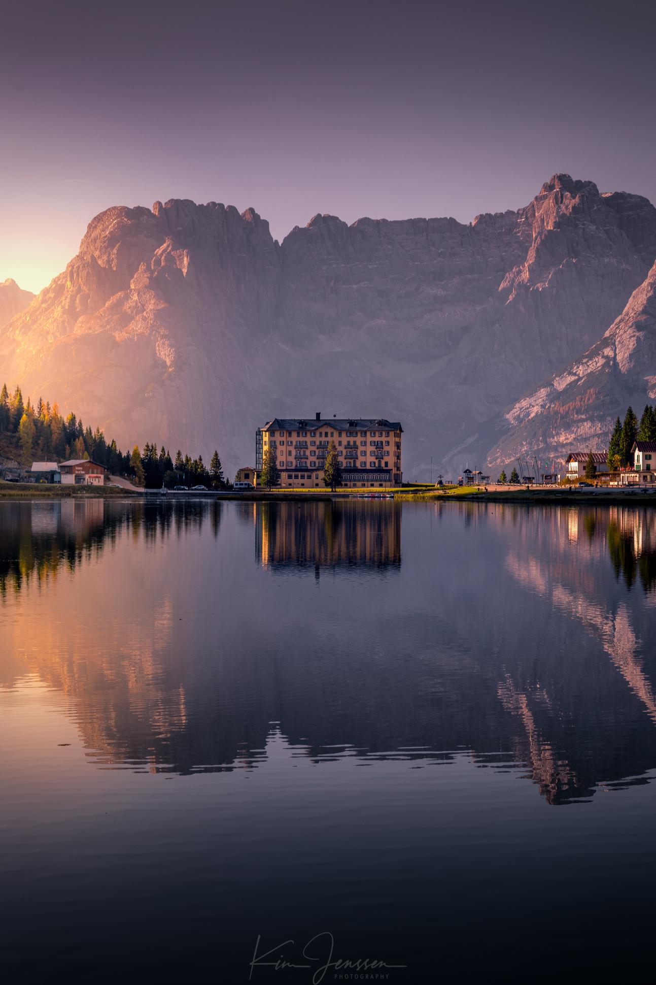 Lake_misurina.jpg