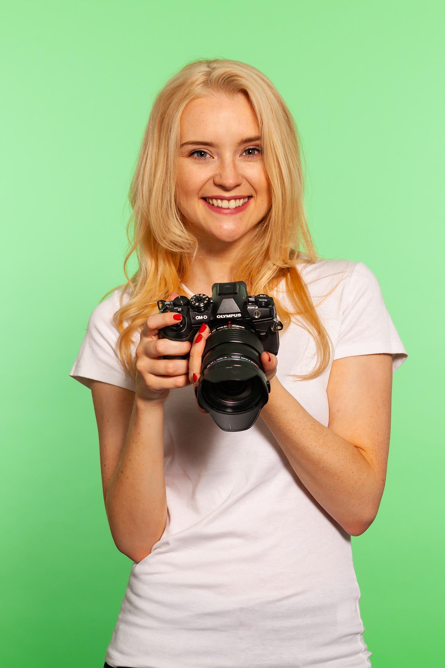 Model taken with Green Screen.