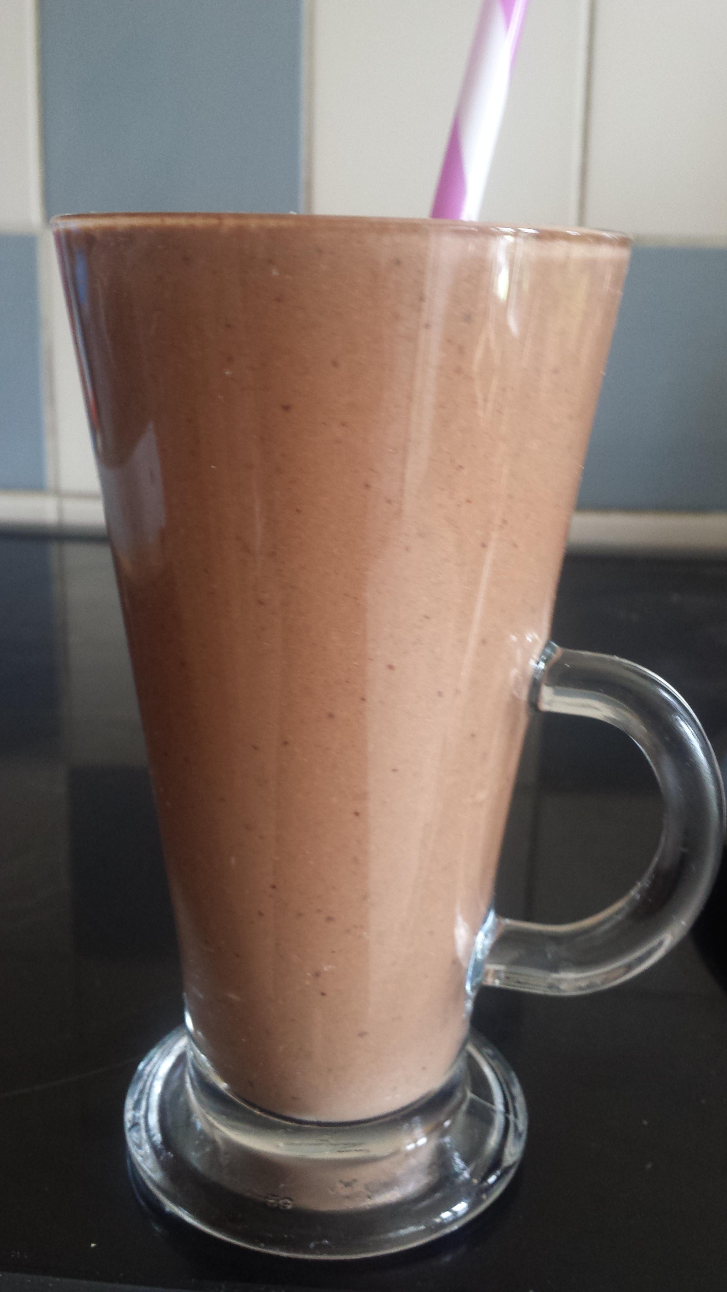 www.coreoflife.co.uk - chocolate protein shake