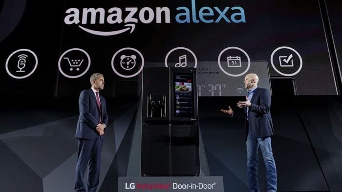 lenovo-smart-assistant-with-amazon-alexa.jpg