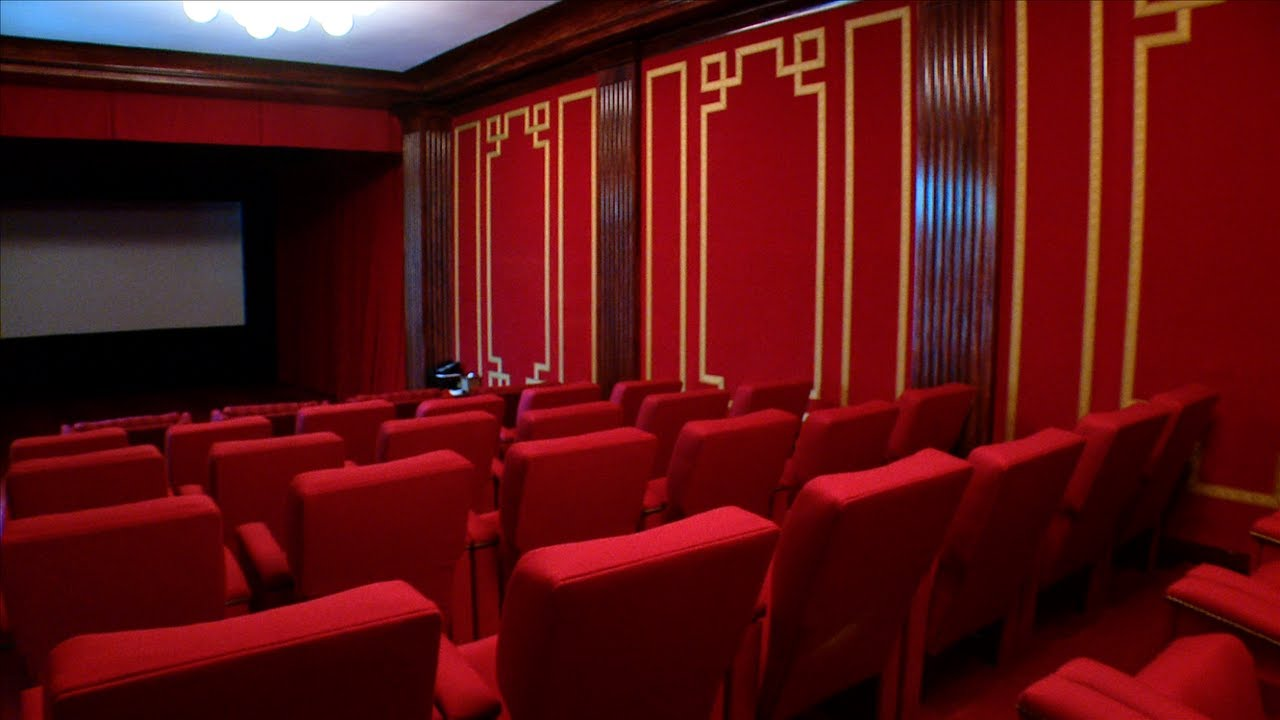 The cinema in the Whitehouse is decorated in Movie Palace Red.