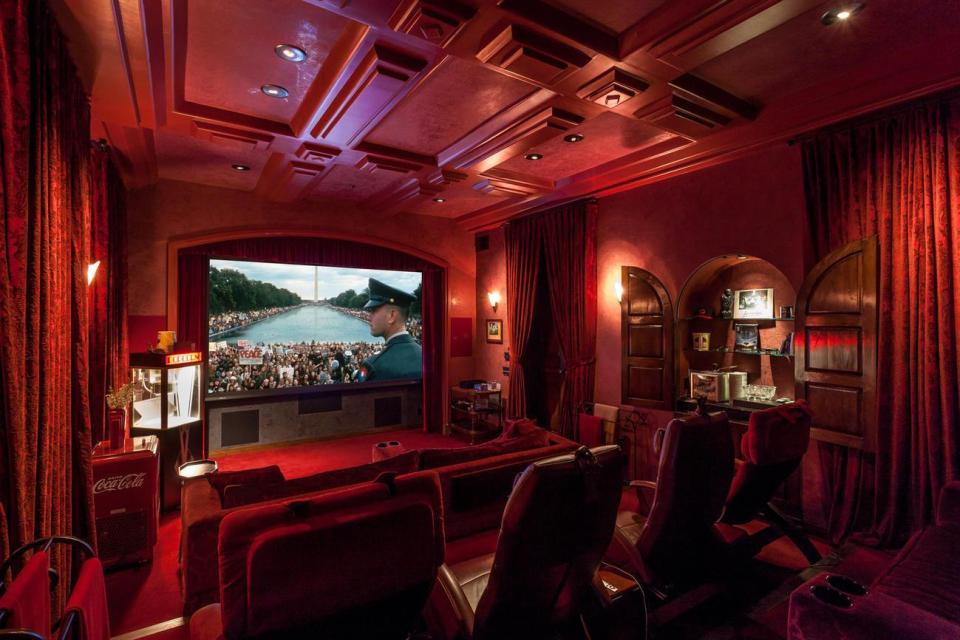 The Design scheme of the Mulholland Drive cinema is Blood Red and a little Gothic.