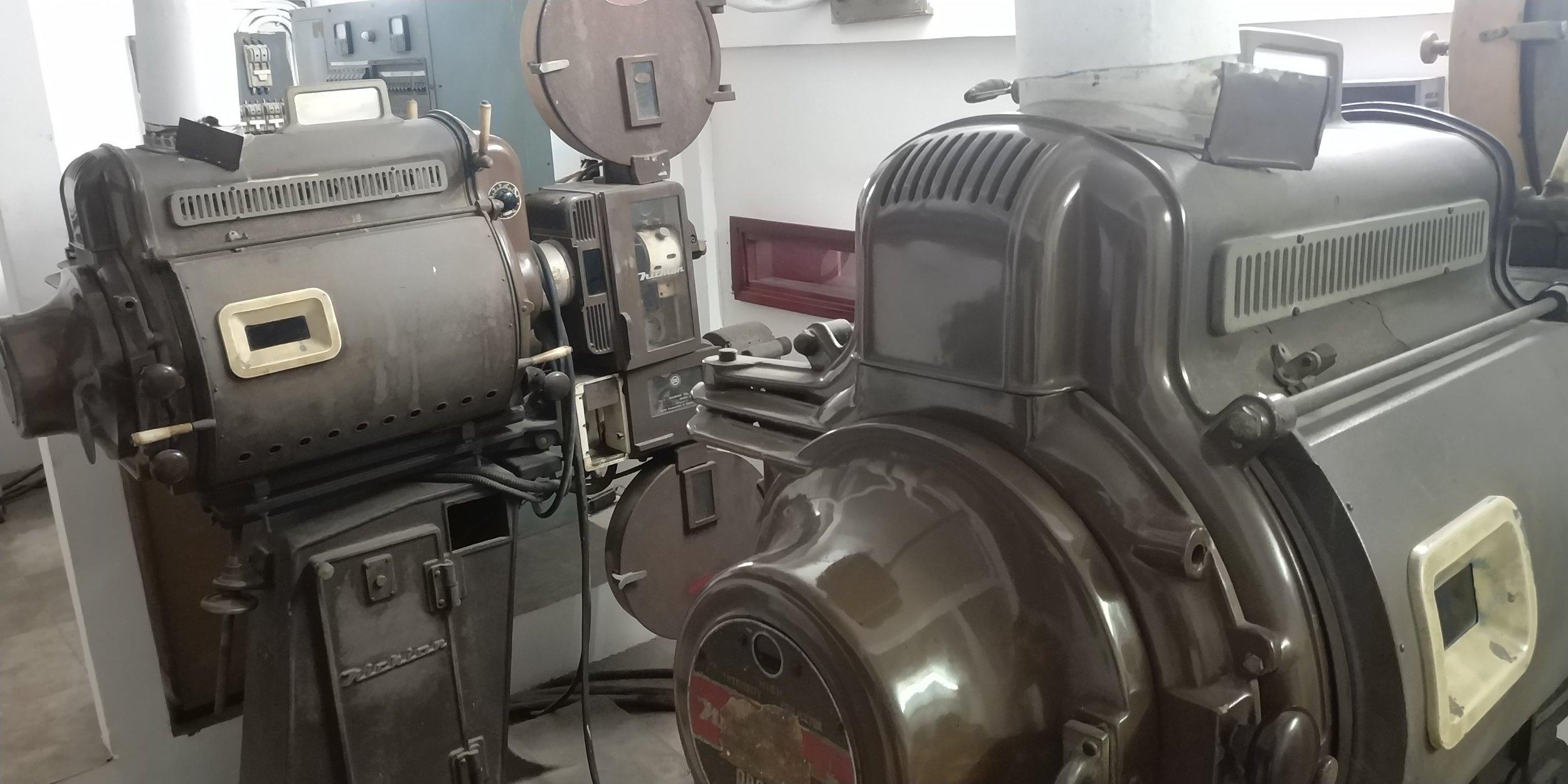 Dual Projectors from the Cold War Era