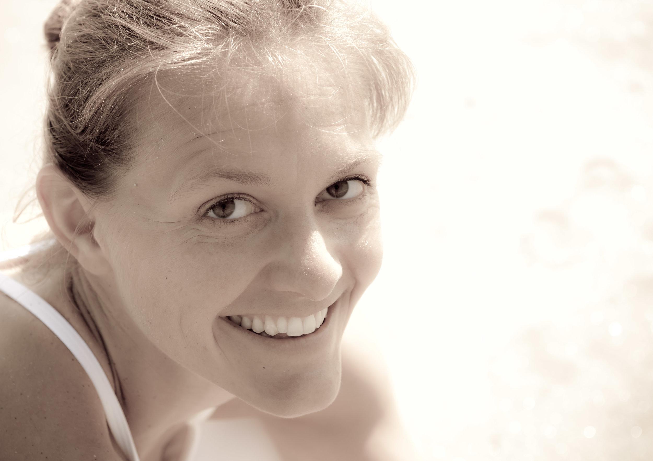 Georgia Reath is a senior yoga teacher and creator of Blue Light Yoga