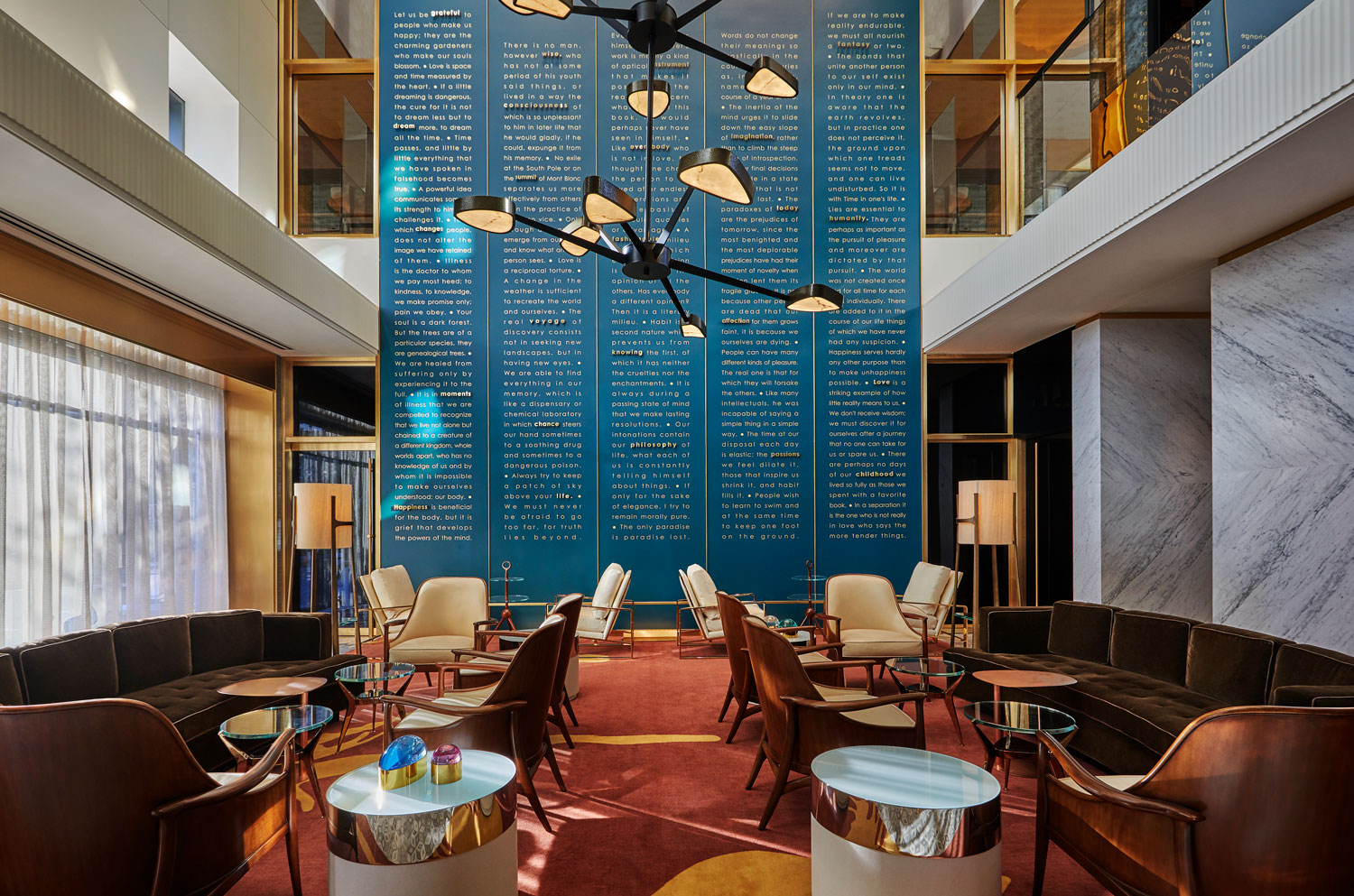 Viceroy Chicago, hotel lobby (Icon Collection).