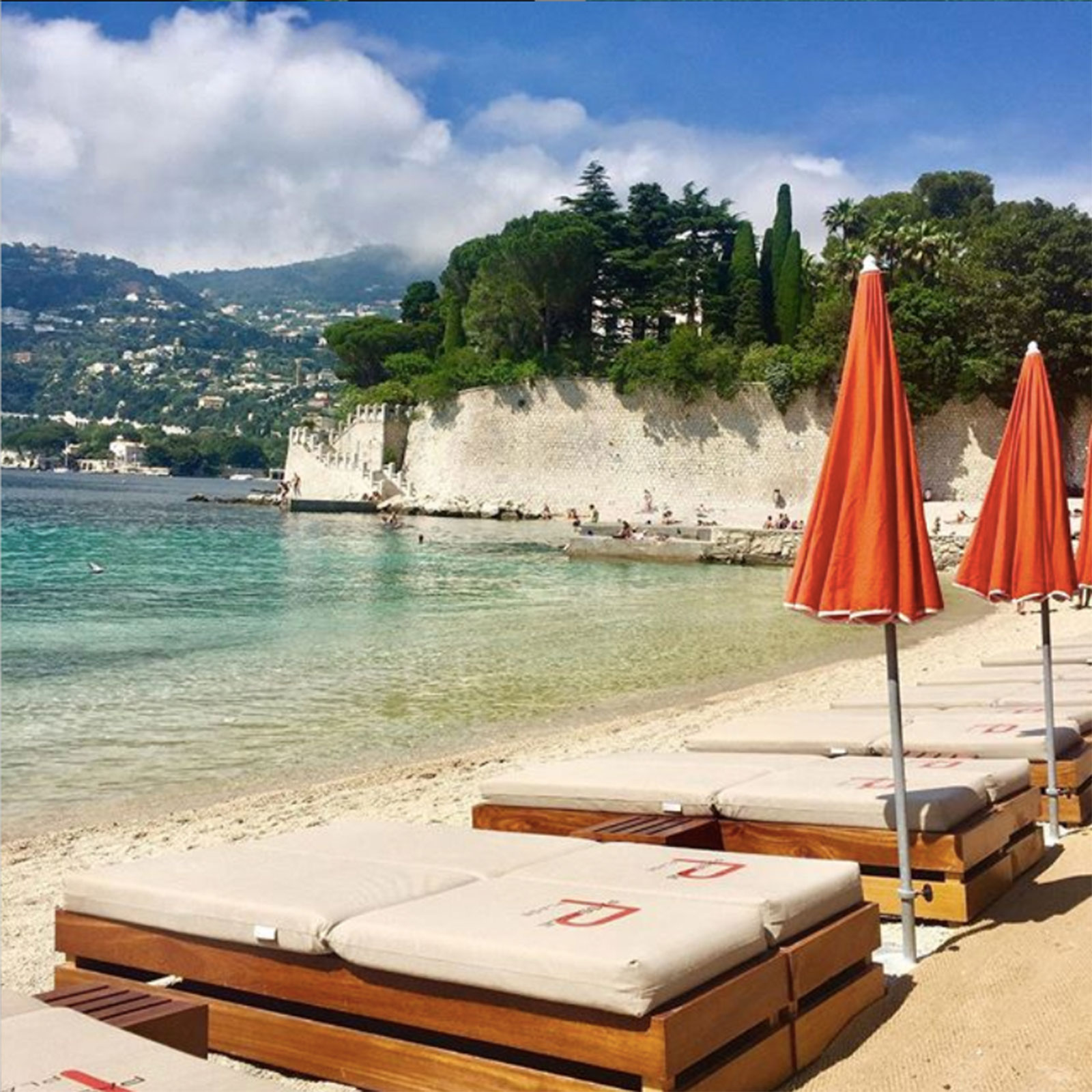 Passable_Beach_9_The_Ink_Collective_Inside_Ink_Pret_A_Partir_Guide_To_Cote_d'Azur_.jpg