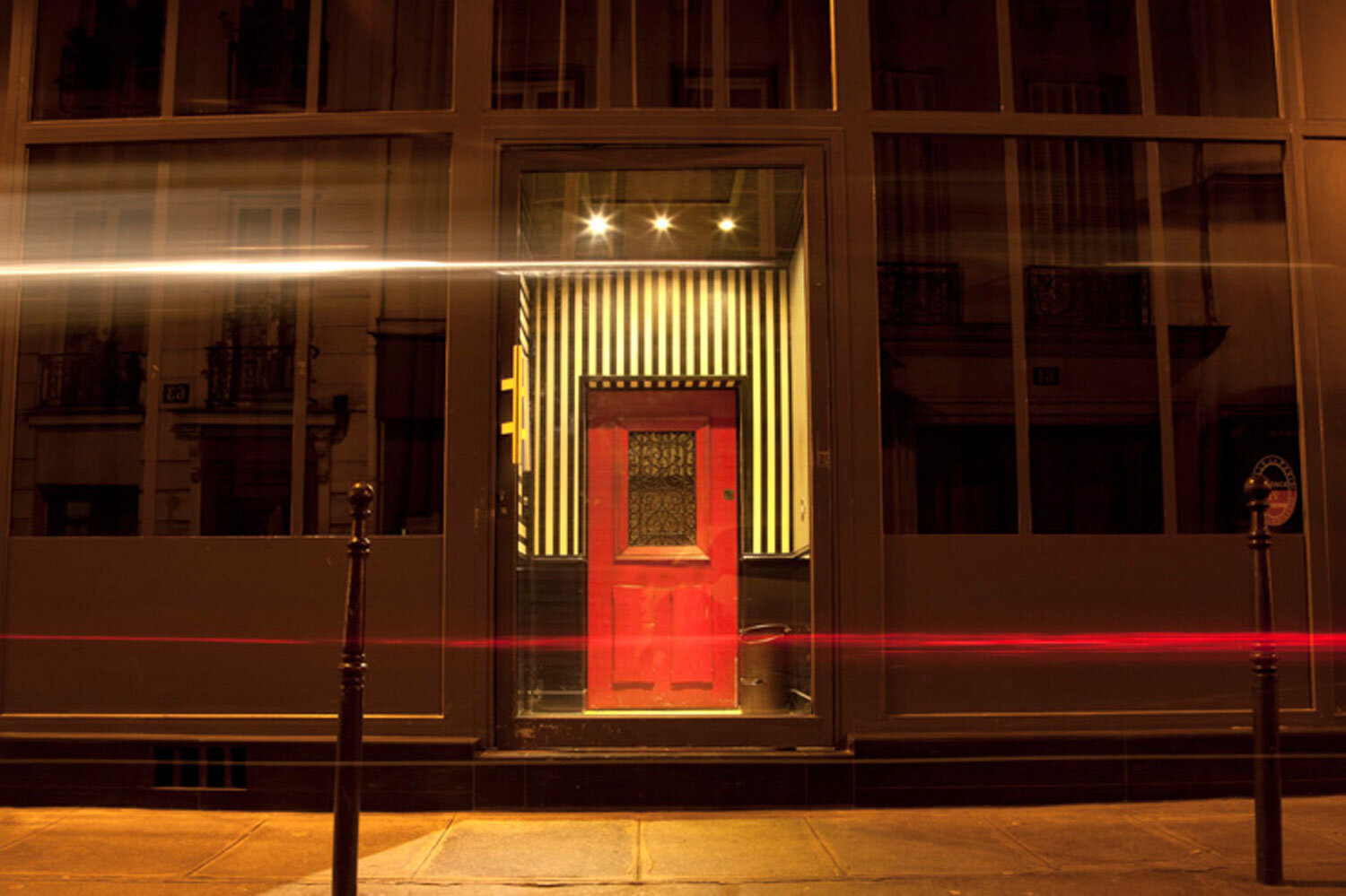 The_Ink_Collective_The_Daily_Grind_Pret-a-partir_The_Little_Red_Door_Paris_4.jpg