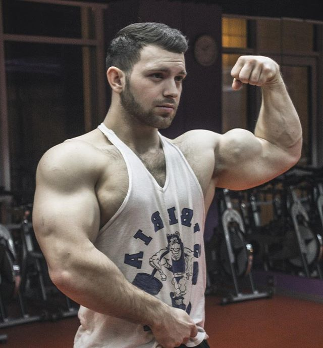 Hey guys! Who want get big muscles? Workout plan individual for you from me! Big sales!  Get on: www.gymnastsergey.com . . . #bodybuilding #fitness #aesthetic #muscle #gym #gymguide #gymmotivation #motivation #bigbody #flexing #flexmuscles #trainhard #workoutplan #gymplan #bigarms #physique #workhard #trainhard #bigboy #handsomeboy #handsomeman