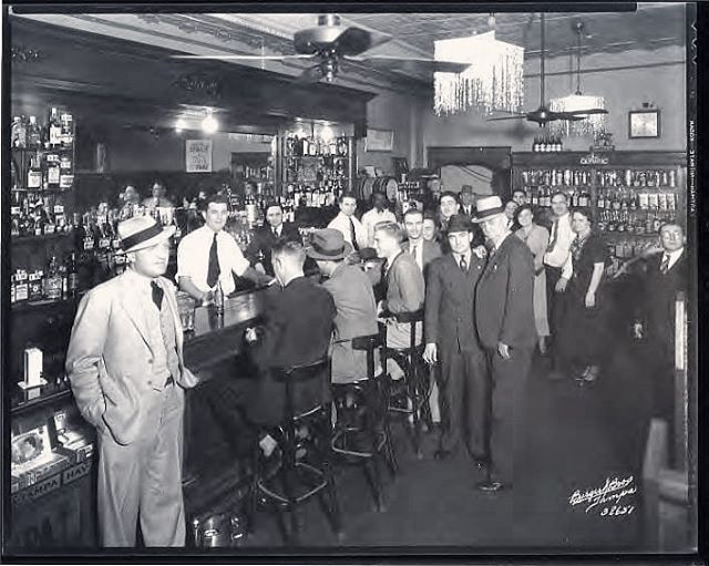 🍻 Say hello to the Olympic Bar circa 1936. Located downtown on the corner of Tampa and Cass (the Element today) it was quite the hot spot in its day. Why was it so popular? Turns out that two Italian brothers were running an illegal gambling operation out of it. OH... um... that would explain that. In 1939 the brothers were sentenced to 18 months for their scheme. It might be hump day and we might need an adult beverage, but we plan on avoiding any illegal gambling establishments no matter how good their drinks are. #truestory #tampahistory #sellnerdy
