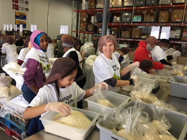SH Kinship Volunteer Day f 1_15_18.JPG