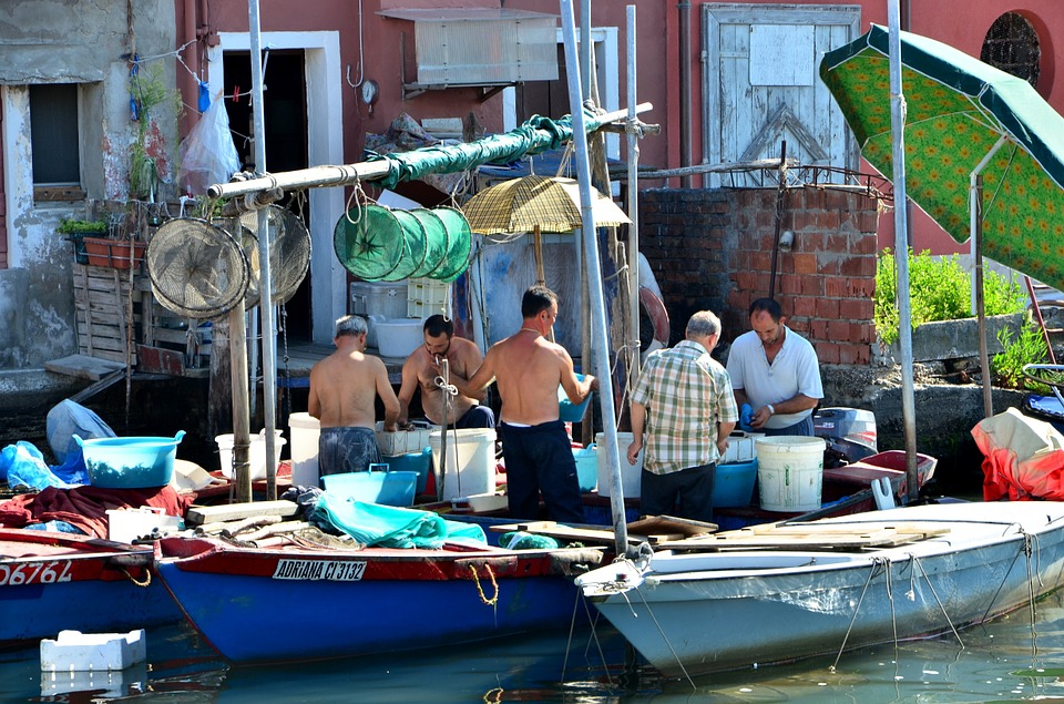 Fish market in Italy (16)