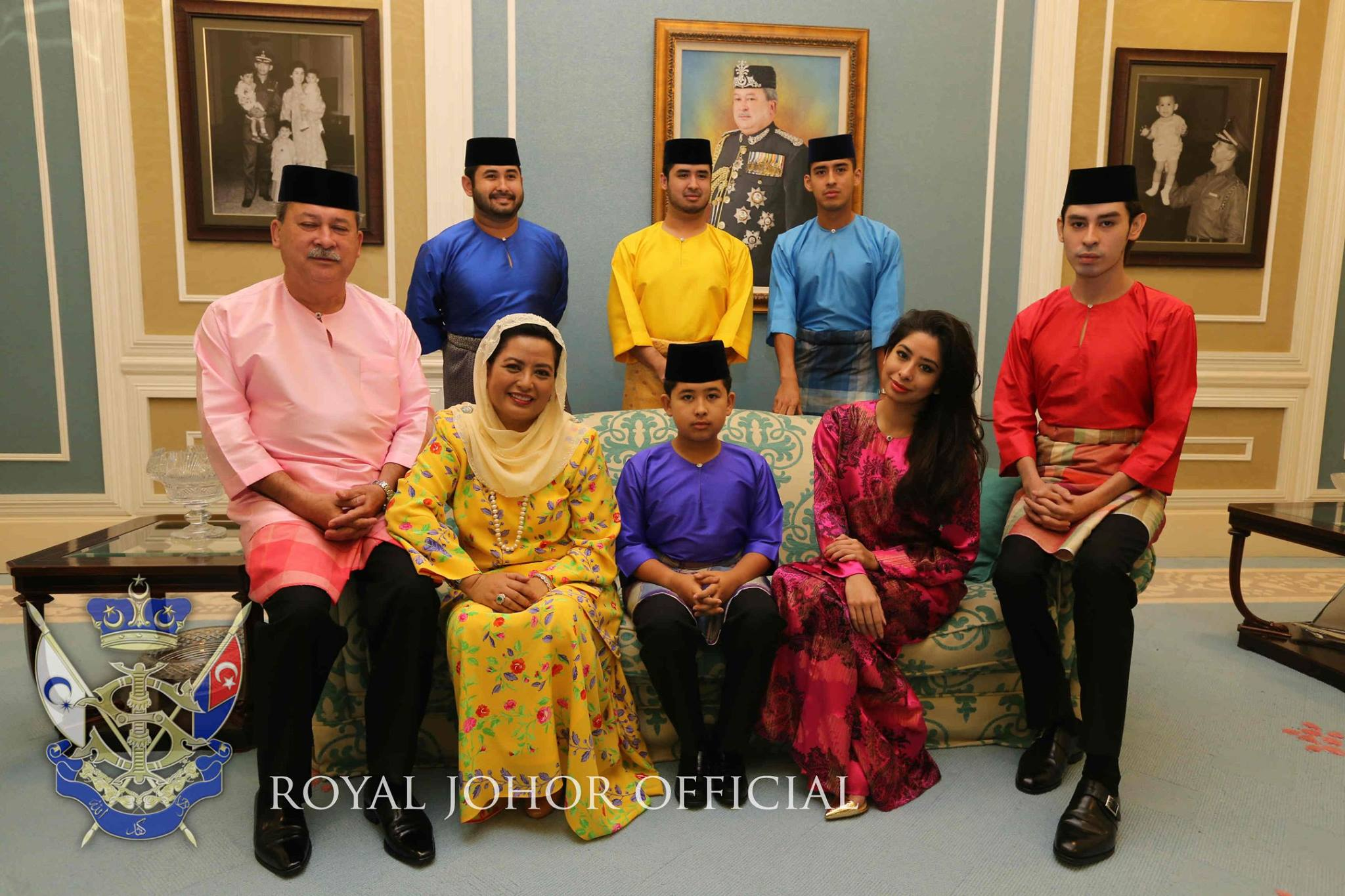 Vor der Erkrankung: Abdul Jalil (r.) mit seiner geliebten Familie   Foto: Royal Johor Office