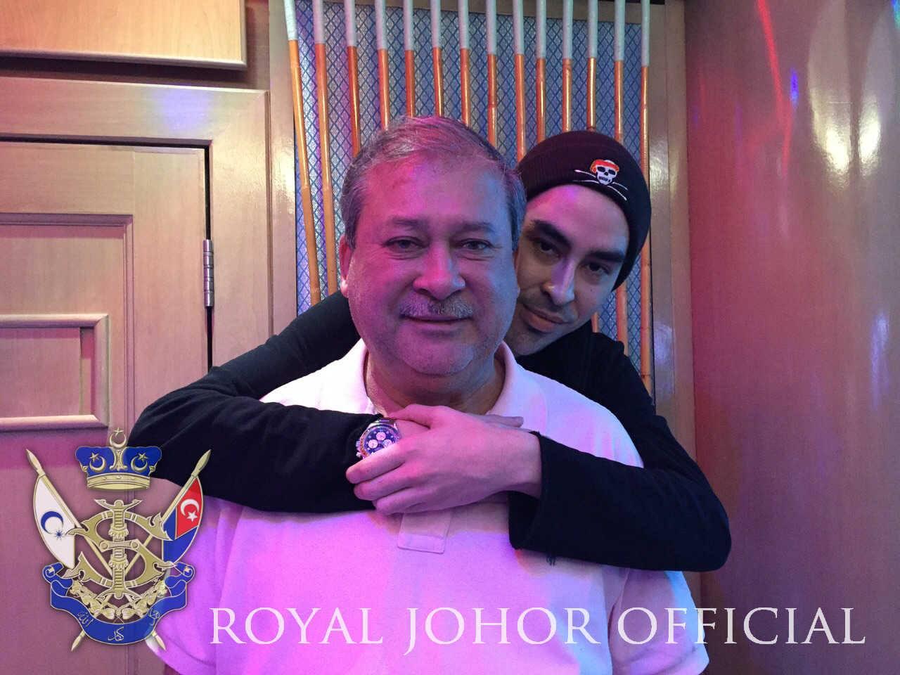 Der Sultan und sein drittältester Sohn verbindet ein enges Band Foto: Royal Office Johor