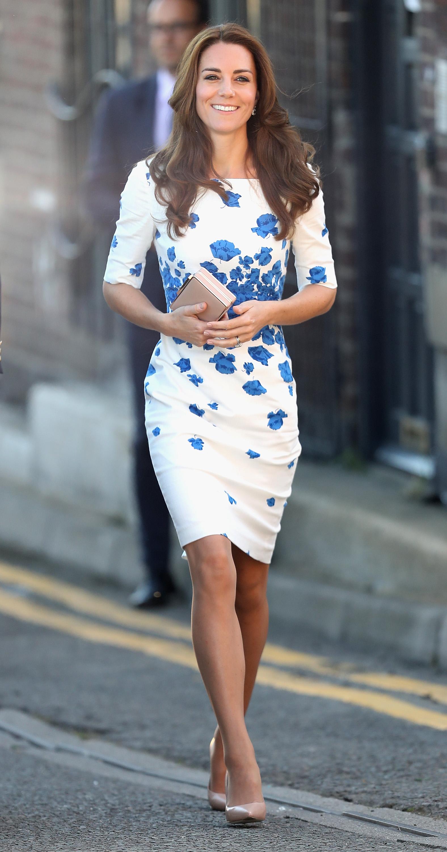 Ein echter Hingucker: Die schöne Brünette trägt ein Sommerkleid von L.K. Bennett  Foto: Getty Images