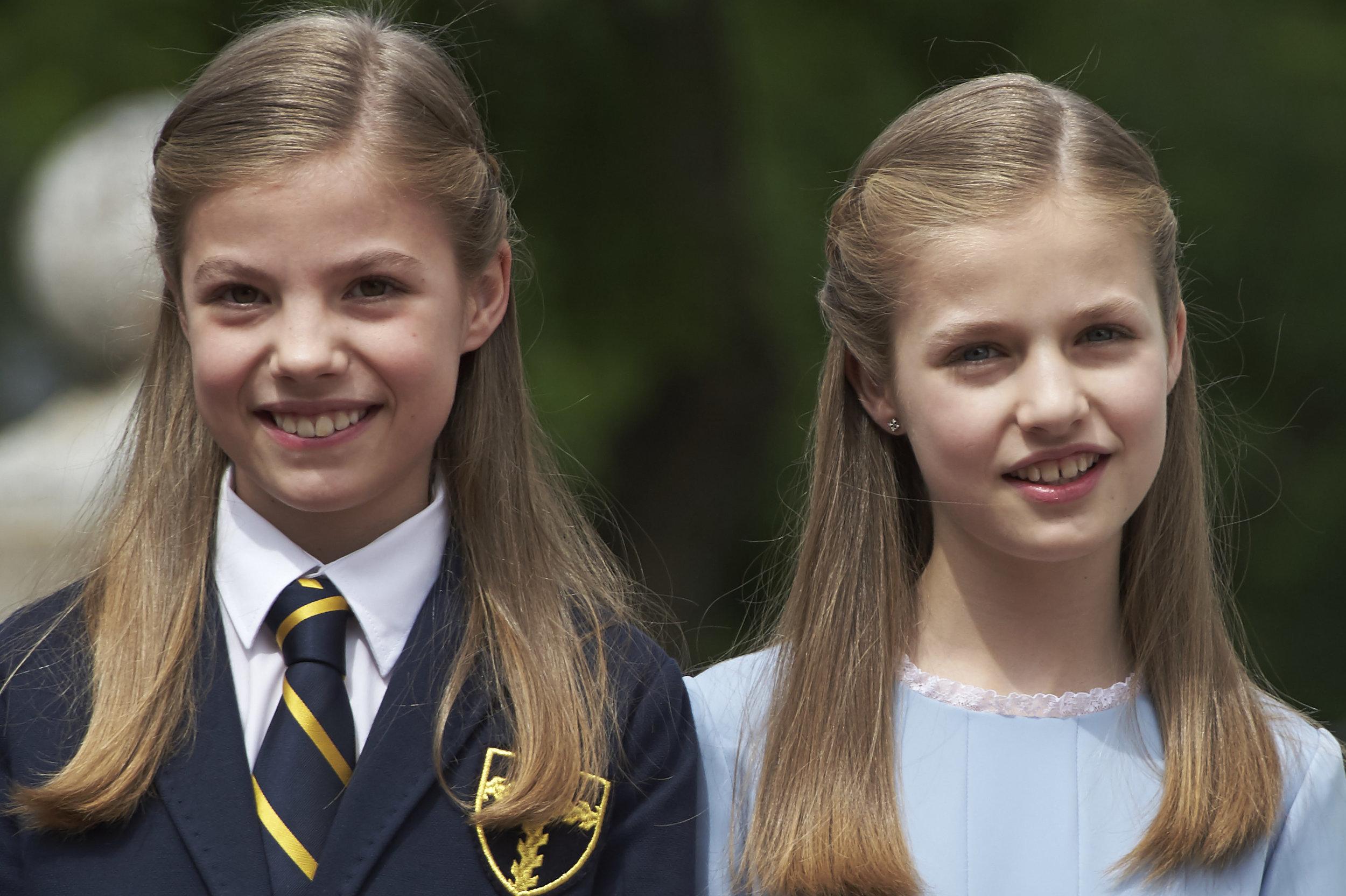 Prinzessin Sofia und Kronprinzessin Leonor (r.)gibt es fast nur im Doppelpack   Foto: Getty Images