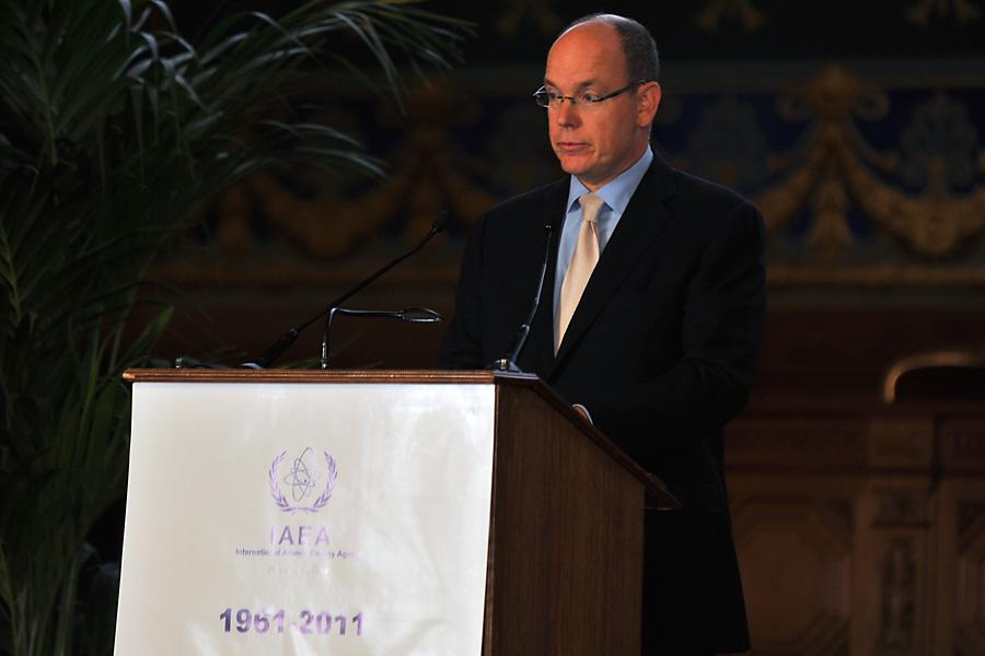 Fürst Albert bei einer öffentlichen Rede  Foto:  IAEA Imagebank  via  flickr ,  CC BY-SA 2.0