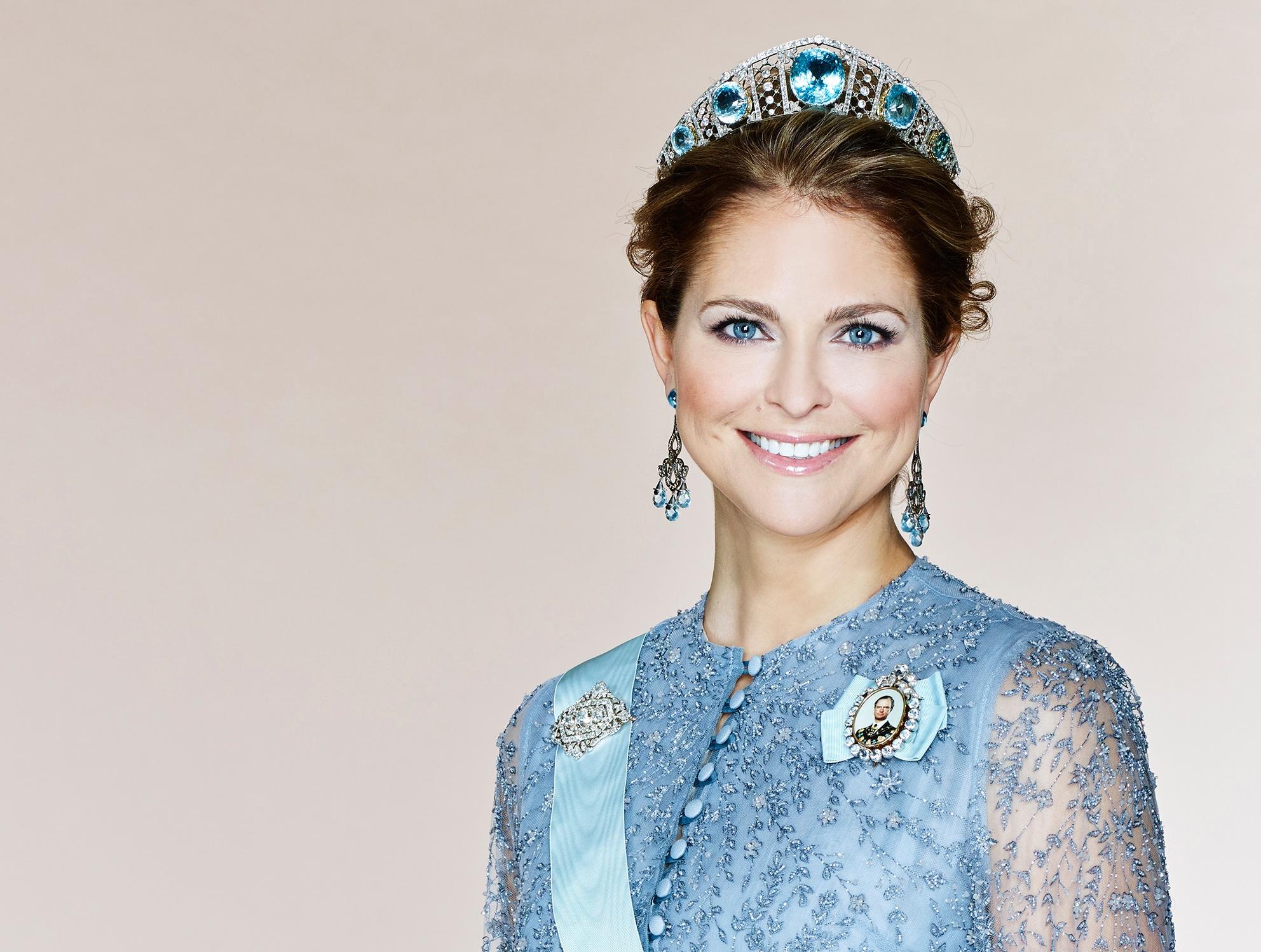 Die Aquamarine Kokoshnik-Tiara passt hervorragend zu den blauen Augen von Prinzessin Madeleine.  Foto Anna-Lena Ahlström, Kungahuset.se