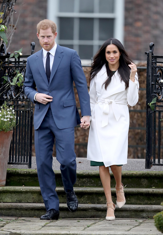 """Ein perfekter Auftritt: Meghan """"makellos"""" Markle und Prinz Harry im Garten des Kensington Palastes   Foto: Getty Images"""