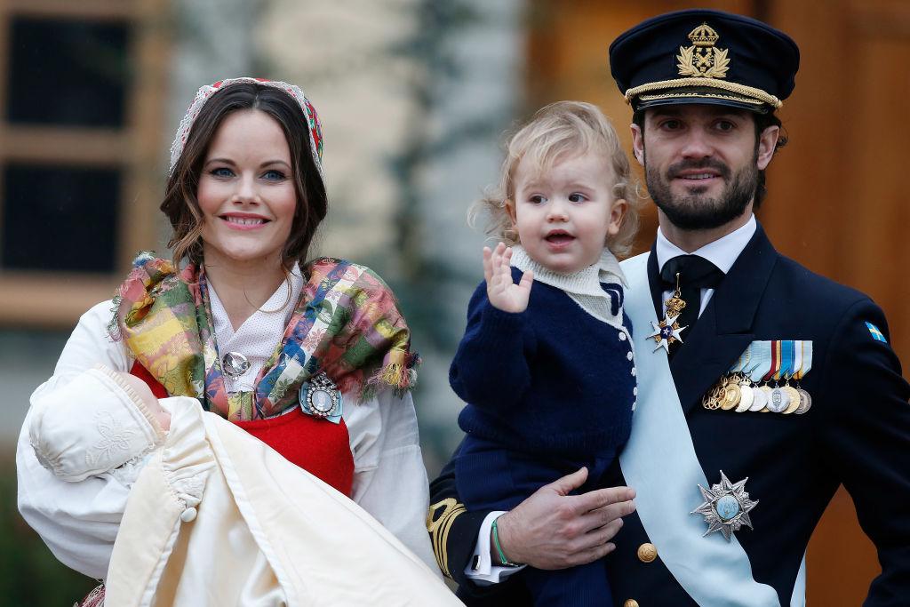 Das erste Weihnachten zu viert. Für Baby Gabriel ist es der erste Heiligabend.    Foto: Getty Images